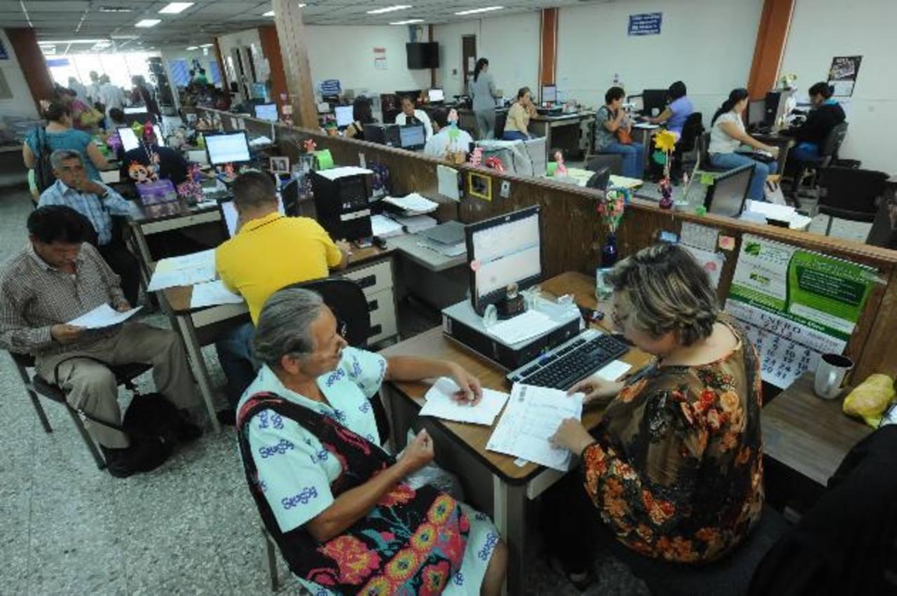 Las tendencias de mayor longevidad en la población son oportunidad para cambios fiscales, económicos y previsionales, señala Cepal.