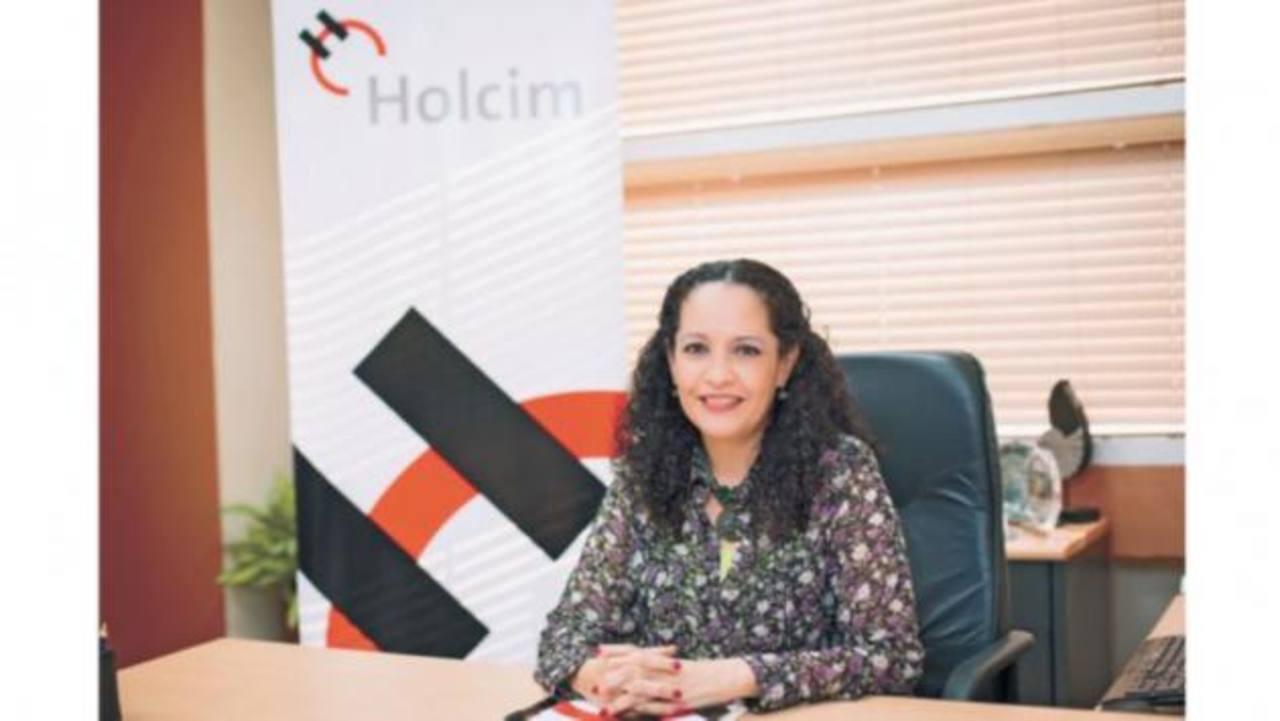Dolores Prado, directora ejecutiva de Holcim Nicaragua, dirigirá las operaciones de la compañía en El Salvador, a partir de 2015. foto tomada de elnuevodiario.com.ni