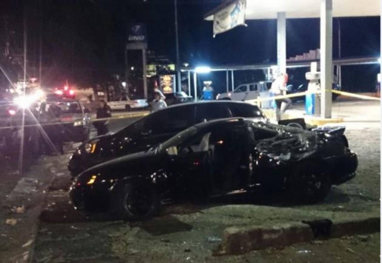 El vehículo volcó y colisionó con otro