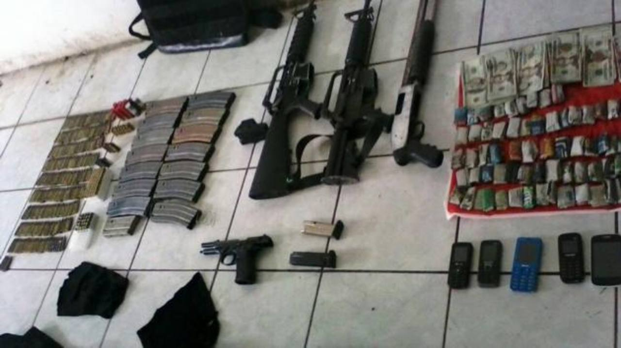 Detienen a 3 hombres con arsenal en Zacatecoluca