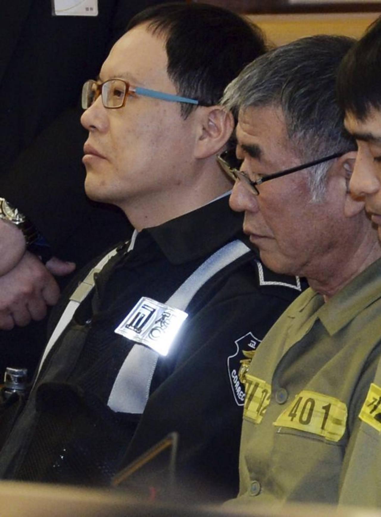 El capitán del buque Sewol, Lee Jun-Seok (centro). eFE