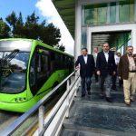 El candidato a alcalde Edwin Zamora visitó parte del sistema Transmetro acompañado por el director administrativo de ese proyecto municipal, Jorge Palacios. Foto EDH / Ericka Chávez