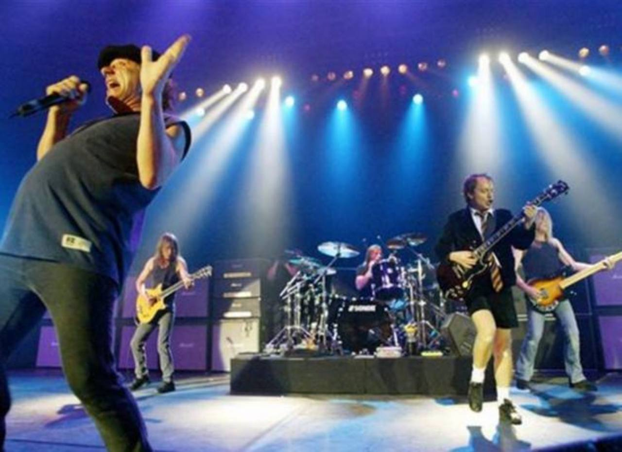 Acusan a baterista de AC/DC de contratar asesino