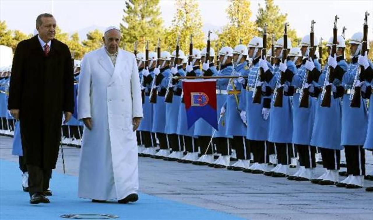 Papa termina viaje a Turquía buscando unidad