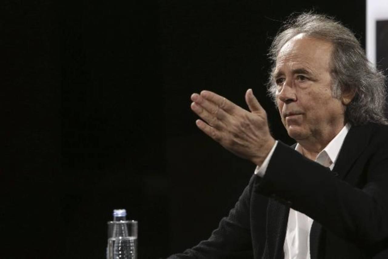 Serrat durante conferencia de prensa, en Madrid. Foto EDH
