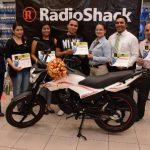 En total fueron 9 felices ganadores que se llevaron las motocicletas. Foto edh/ Cortesía