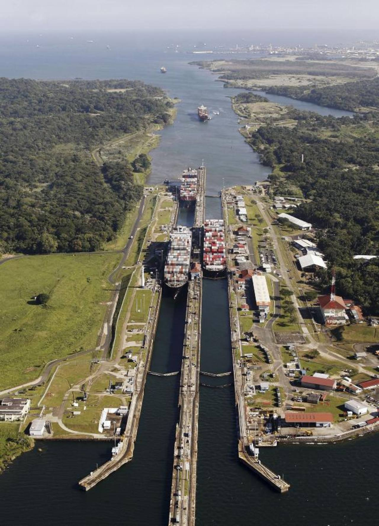 El canal de Panamá está en proceso de ampliación.
