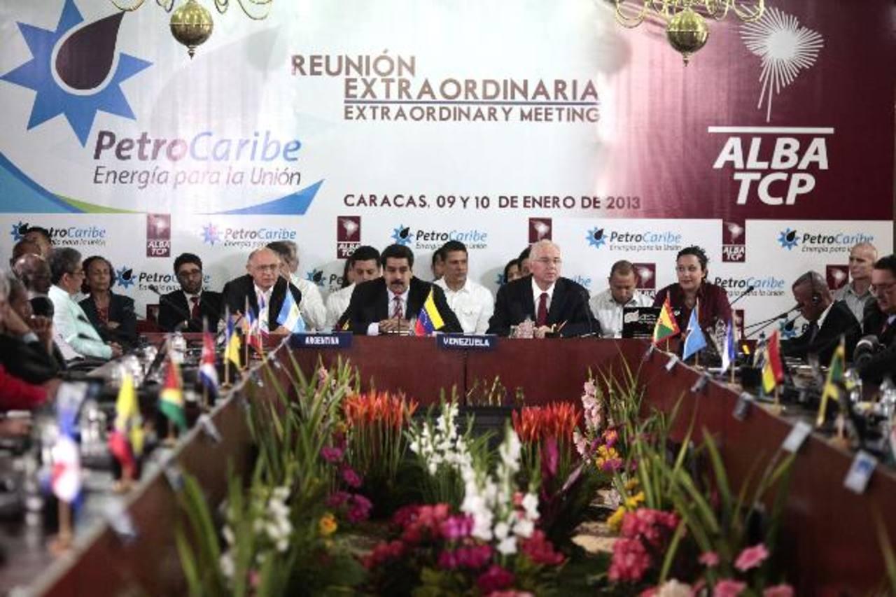 Fotografía de una reunión conjunta de la Alianza Bolivariana para los Pueblos de nuestra América (Alba) y Petrocaribe en Caracas (Venezuela). Foto EDH / ARCHIVO