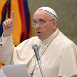El papa pide afrontar tensiones entre inmigrantes y residentes en ciudades