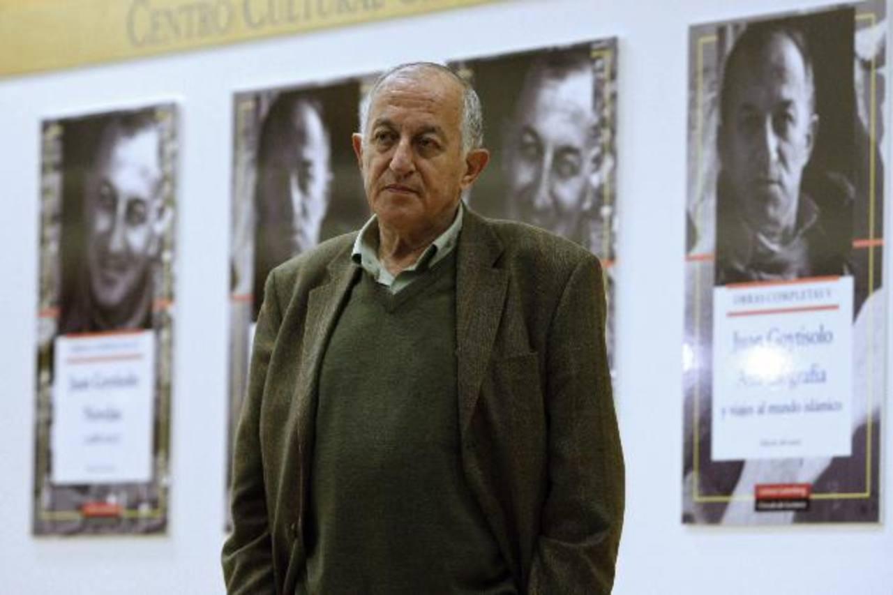 Este escritor se ha hecho famoso, ya que sus obras son una forma de crítica a la sociedad actual. foto EDH / efe