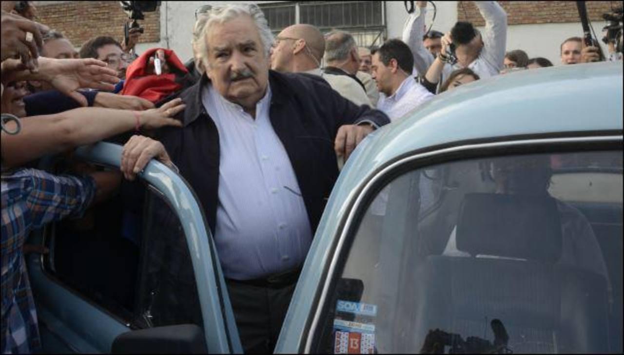 Video: Mendigo pide monedas a Pepe Mujica y esto pasó