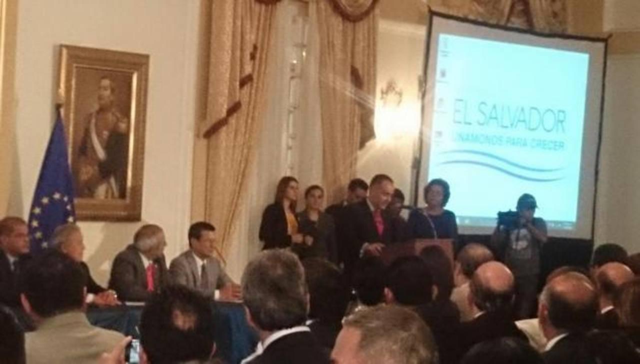 Firma de acuerdo entre UE y El Salvador