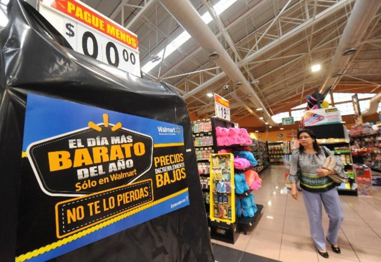 """Horarios del """"Día más barato del año"""" Walmart: viernes desde 4 p.m. hasta medianoche del sábado. Domingo de 6 a.m. a 10 p.m. Despensa de Don Juan: viernes, sábado y domingo de 7 a.m. a 11 p.m. Maxi Despensa: sábado y domingo de 8 a.m. a 10 p.m."""