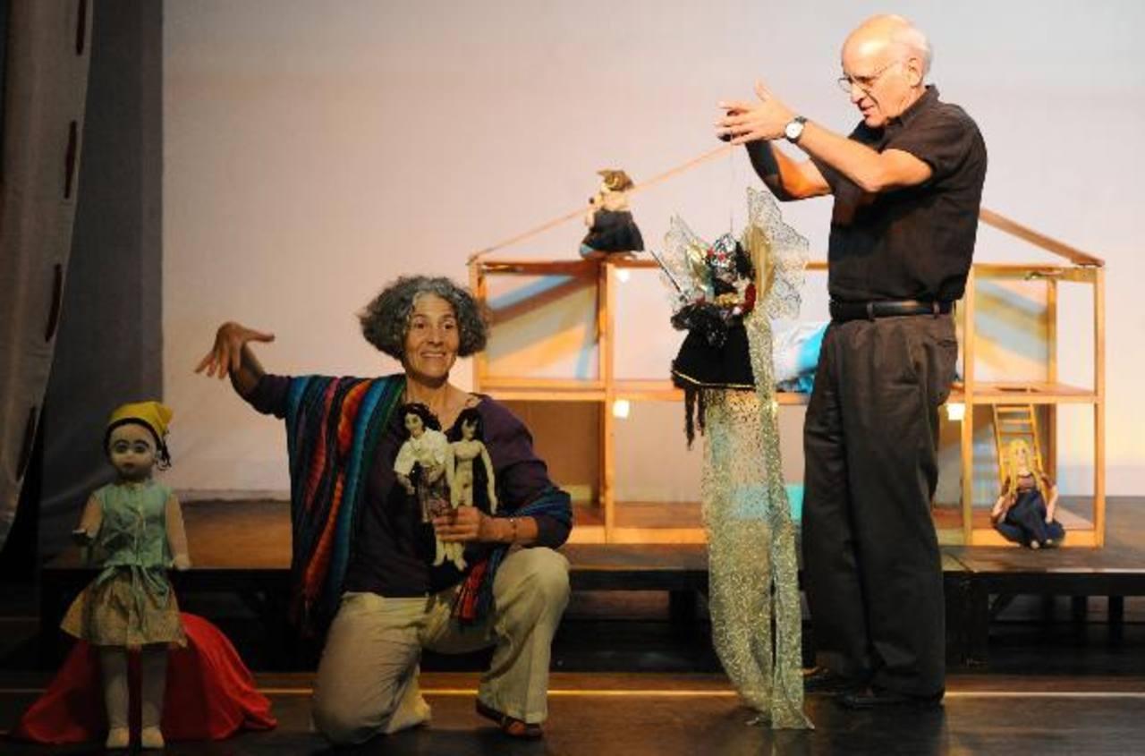 """El drama """"Ángel de la guarda"""" habla sobre la espiritualidad en la vida de los niños, la magia de las palabras y la imaginación. Protagonizado por Naara Salomón (izq.). Fotos EDH / Claudia Castillo"""