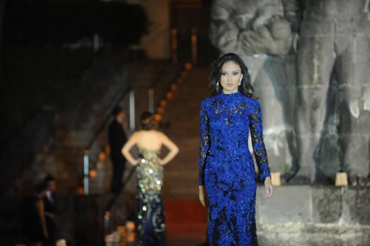 Una muestra de los vestidos de fiesta de la colección 2015 de Mimi Boutique. El fashion show fue en el Museo de Arte.