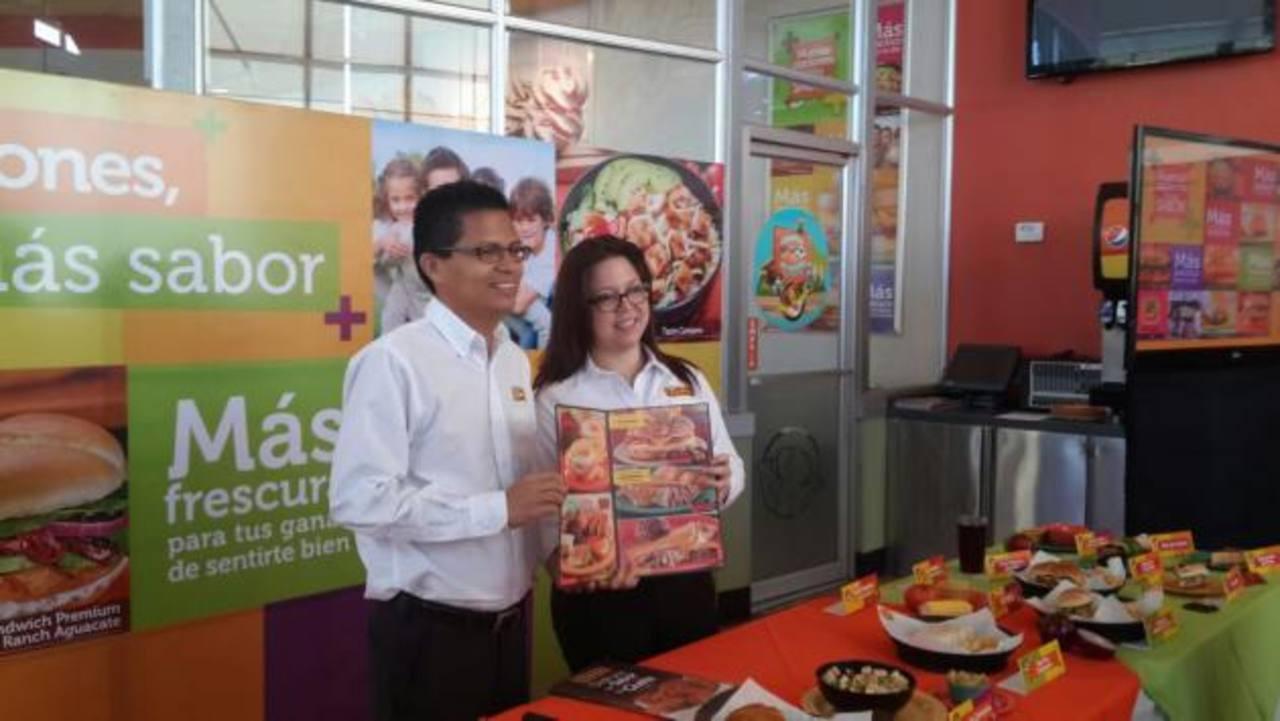 Carlos Ramírez, vicepresidente de mercadeo de Pollo Campero, presentó los nuevos platillos.