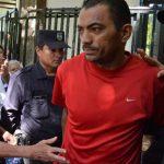 Kenso Araujo sacó de su cuenta bancaria $125 que provenían de una extorsión.