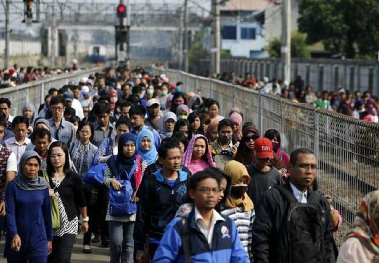 Sismo sacude Indonesia y causa pequeño tsunami