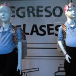Maniquíes de estudiantes embarazadas causan polémica en Venezuela