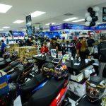 Los jefes de marca de algunos centros comerciales esperan recibir una mayor afluencia de personas para este día. foto edh / Omar Carbonero
