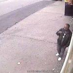 Difunden video de sospechoso de empujar a hombre en metro de Nueva York