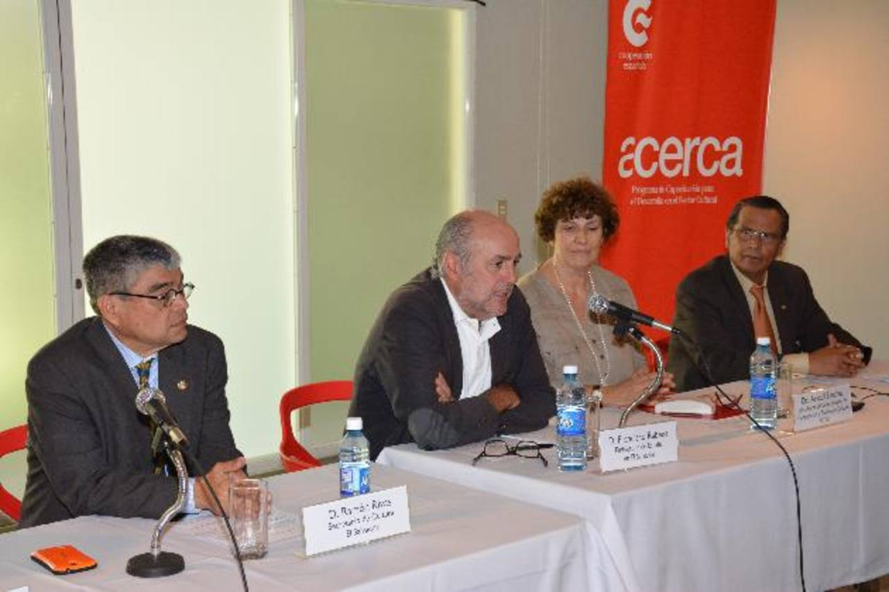 Representantes de la región participaron en el primer encuentro sobre este proyecto de formación. FOTO EDH / Mario Amaya