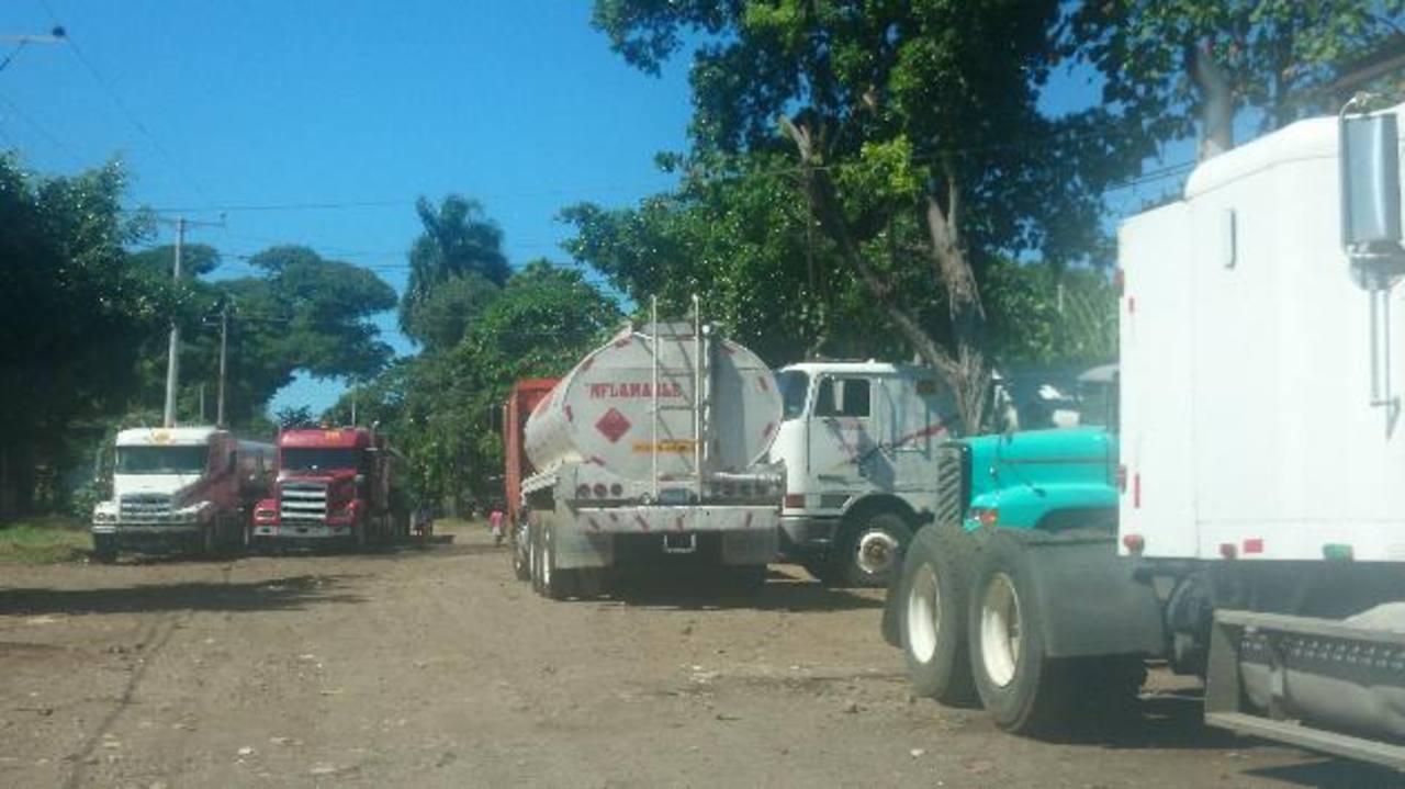 Cardoza Alvarado era originario de Tejutla, Chalatenango, y propietario de Transportes Cardoza. También se dedicaba a a la comercialización de combustible. Foto edh