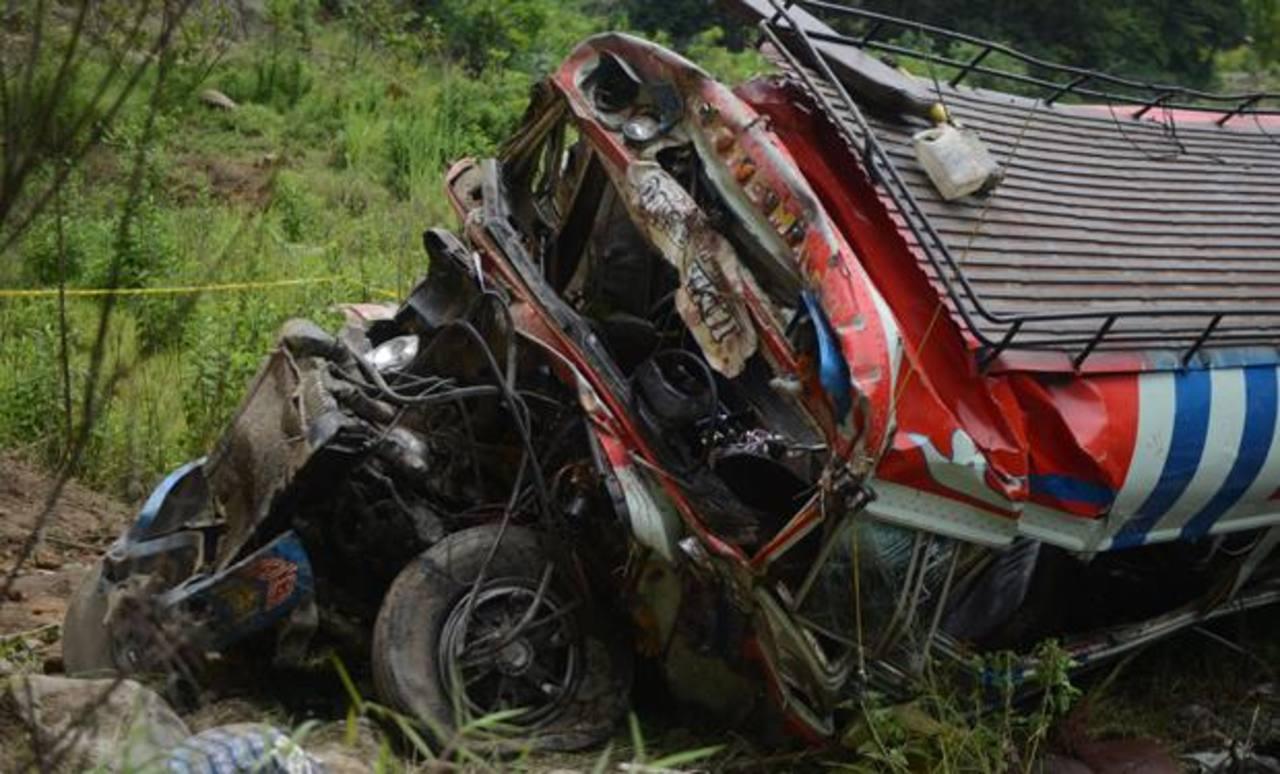 Siete muertos y 15 heridos deja accidente vial en Guatemala