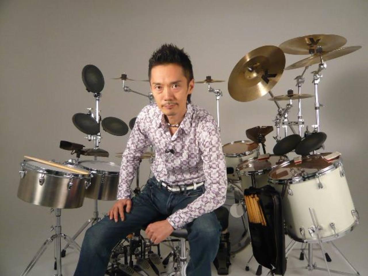 Akira Jimbo será el invitado especial del taller musical. Posee una capacidad ambidiestra y dominio de los sonidos acústicos y electrónicos. Foto EDH / archivo.