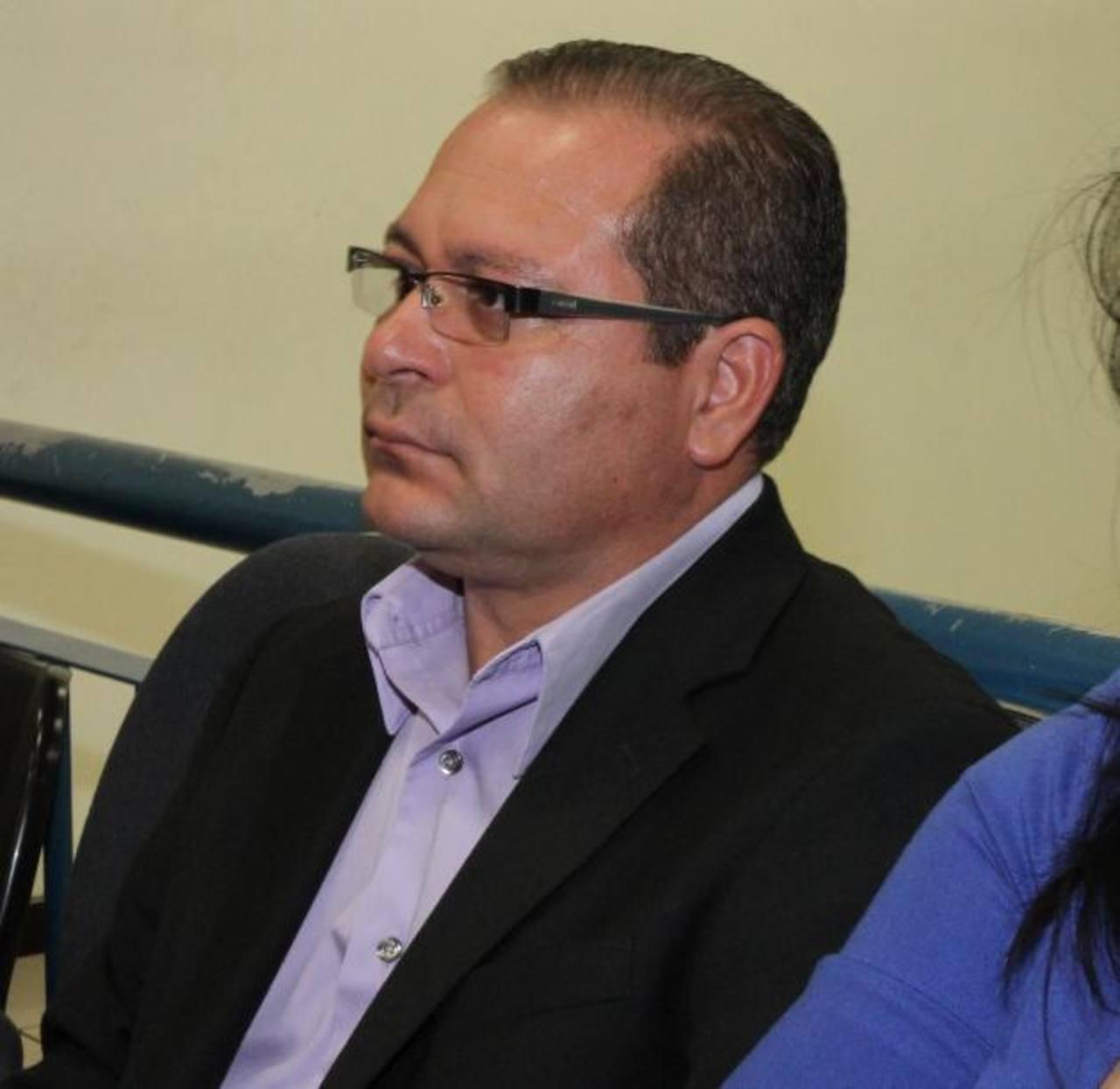 El teniente José Arístides Figueroa está siendo enjuiciado en el Tribunal 5º de Sentencia. Foto EDH /Cortesía Juzgados