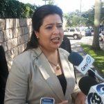 La intendente de bancos y conglomerados, Silvia Arias, a las afueras de las oficinas de Equifax.