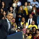 El presidente Barack Obama ayer durante su discurso con tono electoral en la escuela secundaria Del Sol en Las Vegas, Nevada. foto EDH / efe