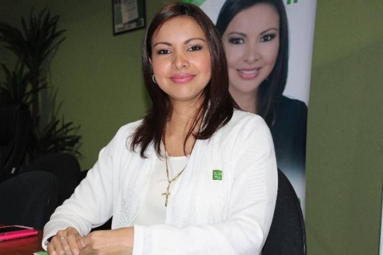 Diana Valdivieso es doctora en medicina dental y es la candidata a diputada del PDC en Sonsonate. Foto edh / cortesía