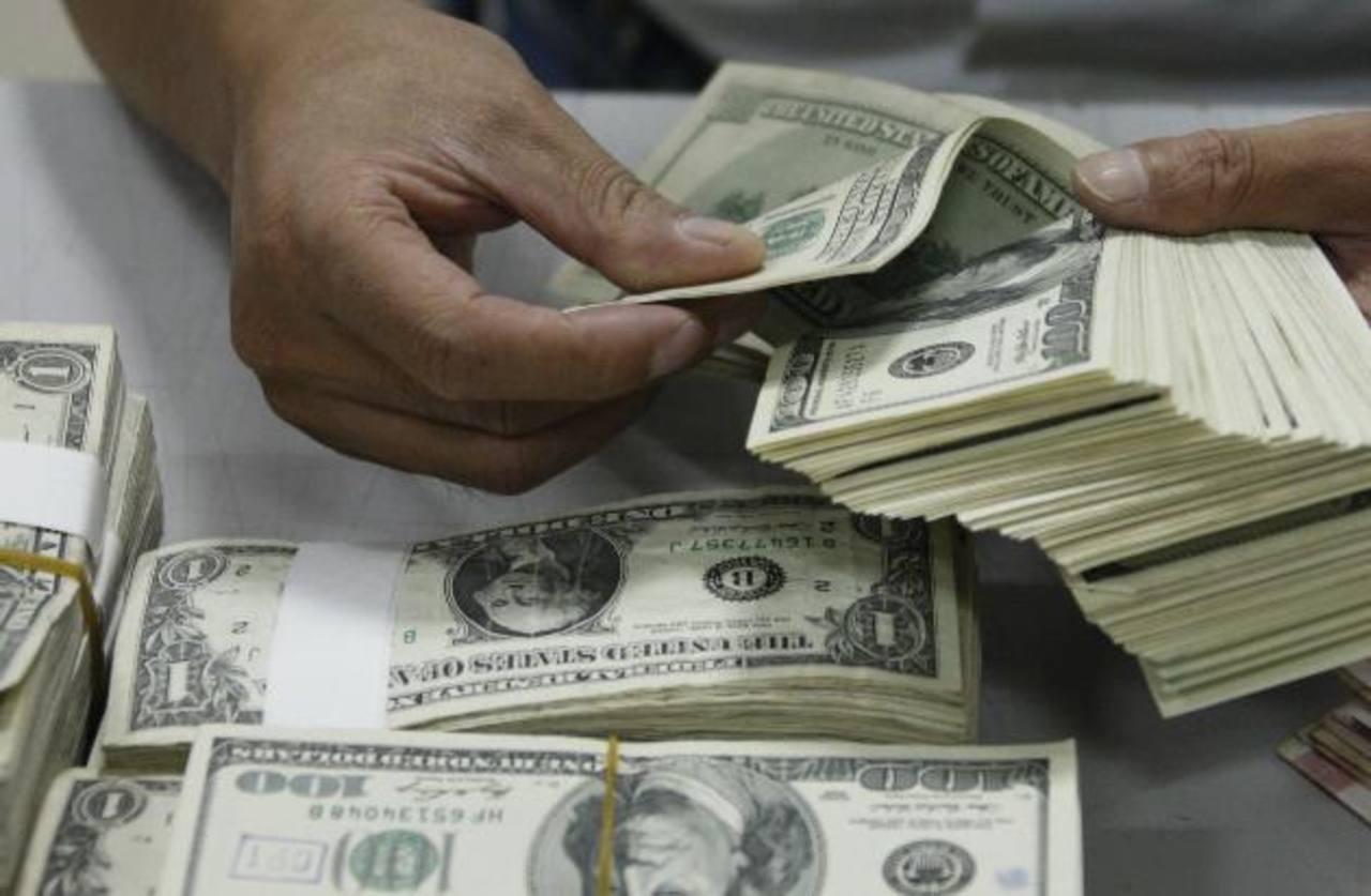 El BM señaló que El Salvador no ha considerado las reales necesidades de pago y deuda en el presupuesto. Foto EDH/archivo
