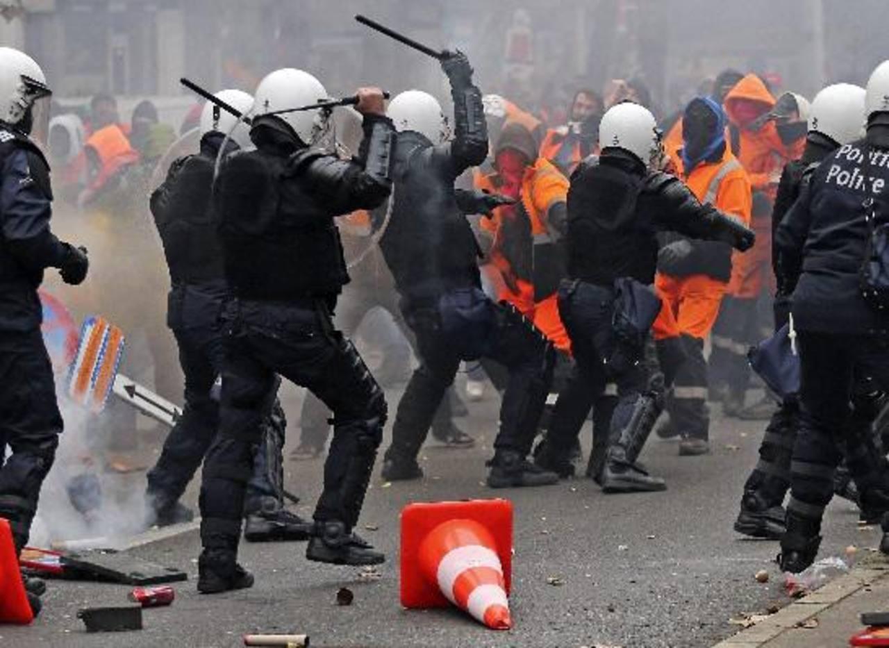 Gran manifestación con incidentes en Bruselas contra el nuevo gobierno