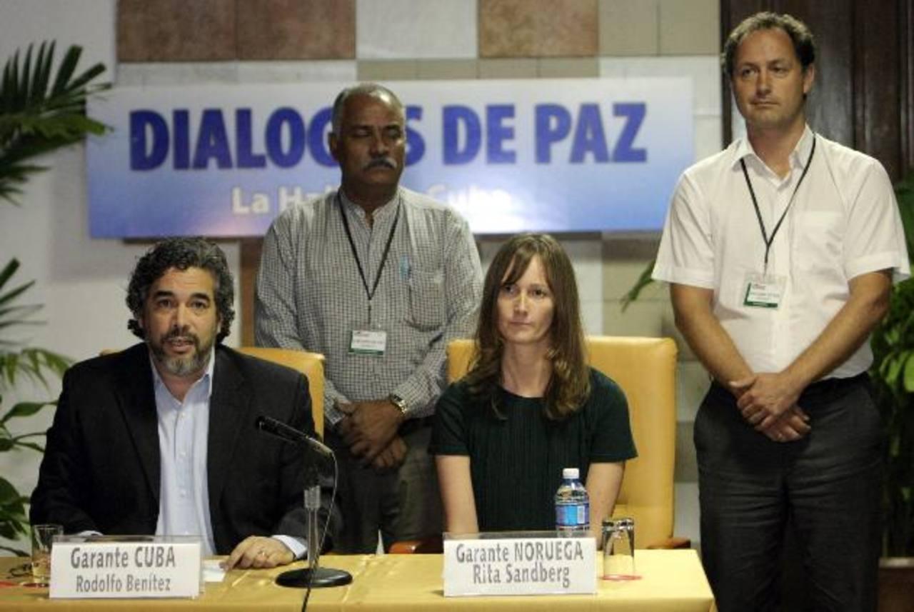 Gobierno y FARC pactan la liberación de general