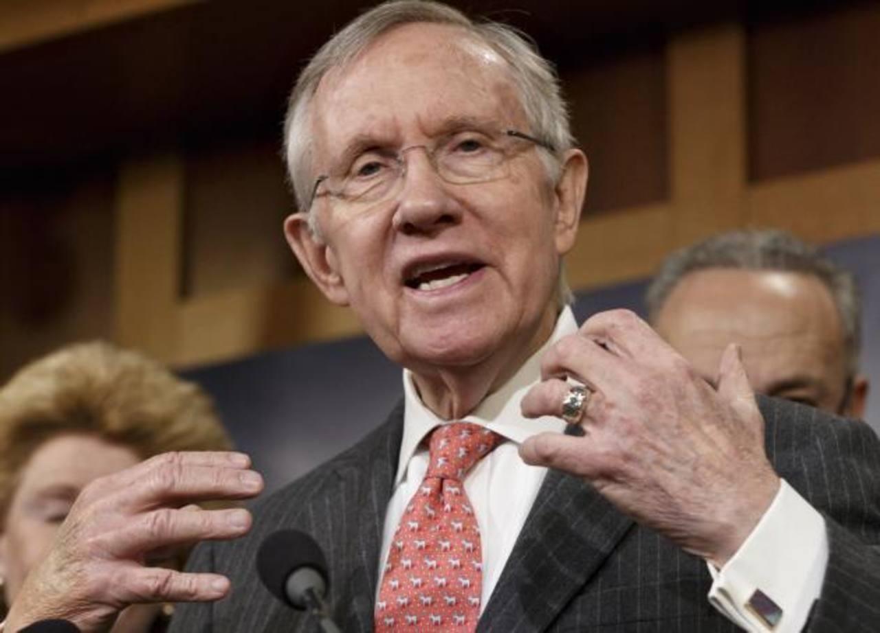 El líder de los demócratas en la Cámara alta, Harry Reid, escribió que ya es hora de que el presidente use sus facultades administrativas. foto edh / internet