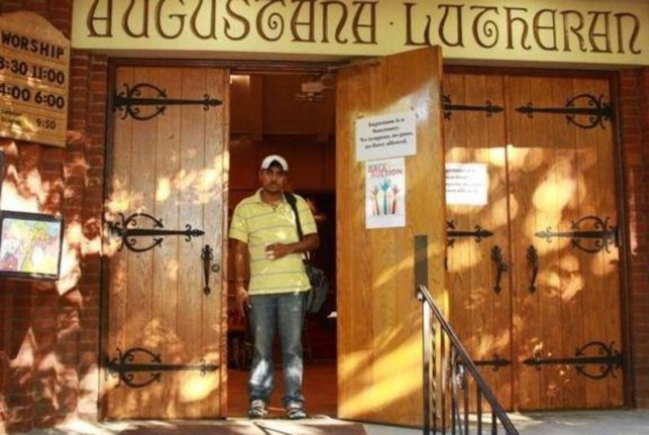 Arrestan a migrante salvadoreño refugiado en iglesia en Oregon