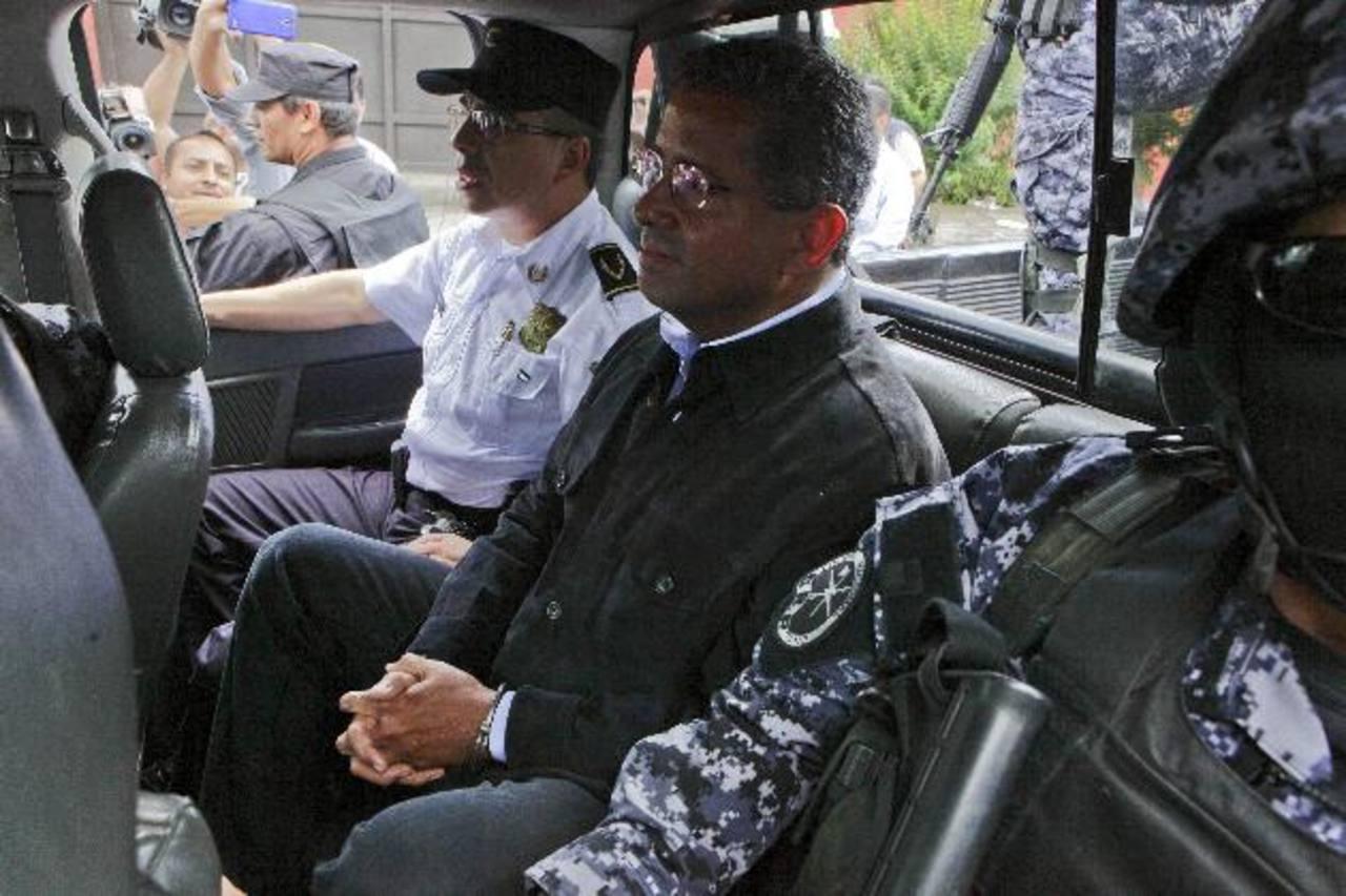 Expresidente Flores en una celda deplorable en la Policía