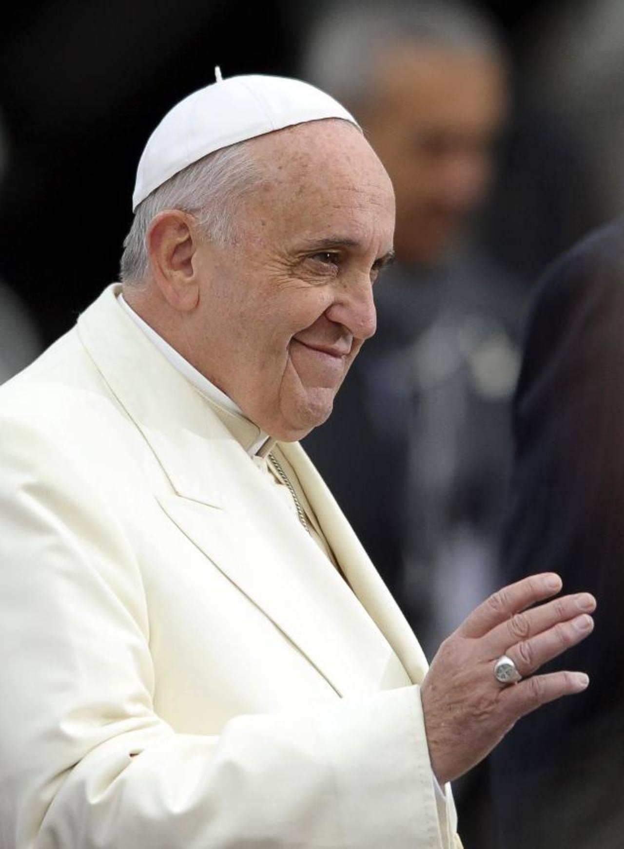 El Papa Francisco a su llegada al Parlamento Europeo