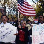 Centenares de familias latinas marchan frente a la Casa Blanca en Washington DC, el pasado 7 de noviembre. foto edh / efe