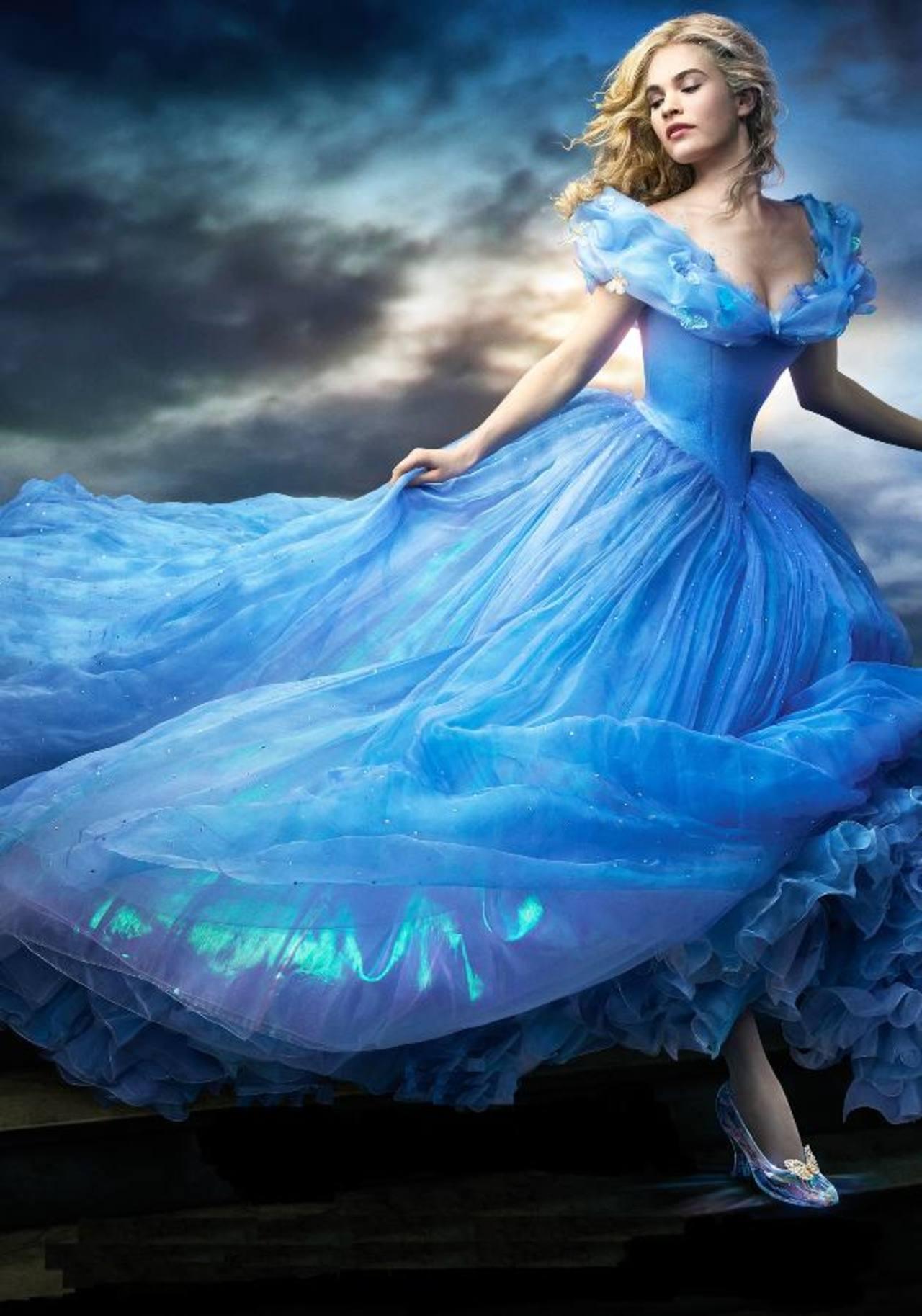 """LiLy James, la nueva """"Cenicienta"""" de Disney"""