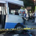 Cuatro heridos causa motorista de bus que se pasó semáforo en rojo