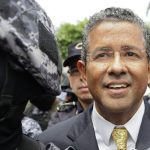 Juez avala que expresidente Francisco Flores permanezca siete días más en hospital