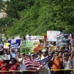 Los republicanos evitan concretar en inmigración