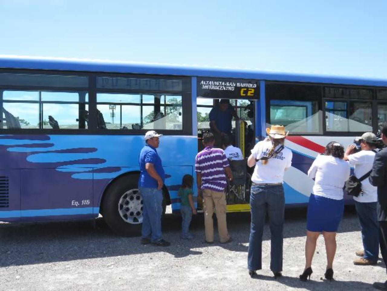 Acopatt, ruta 29, lanzó el 14 de octubre el proyecto Bus Seguro, en donde compraron nuevas unidades . foto edh / archivo