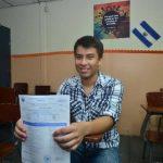 Josué Daniel recibirá una beca para estudiar en el extranjero, el joven optará por ingeniería mecánica o mecatrónica. foto EDH/ RENÉ QUINTANILLA
