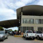 Los problemas en fronteras han causado retraso de los camiones de carga. foto edh