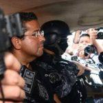 Expresidente Flores estará hospitalizado 10 días más