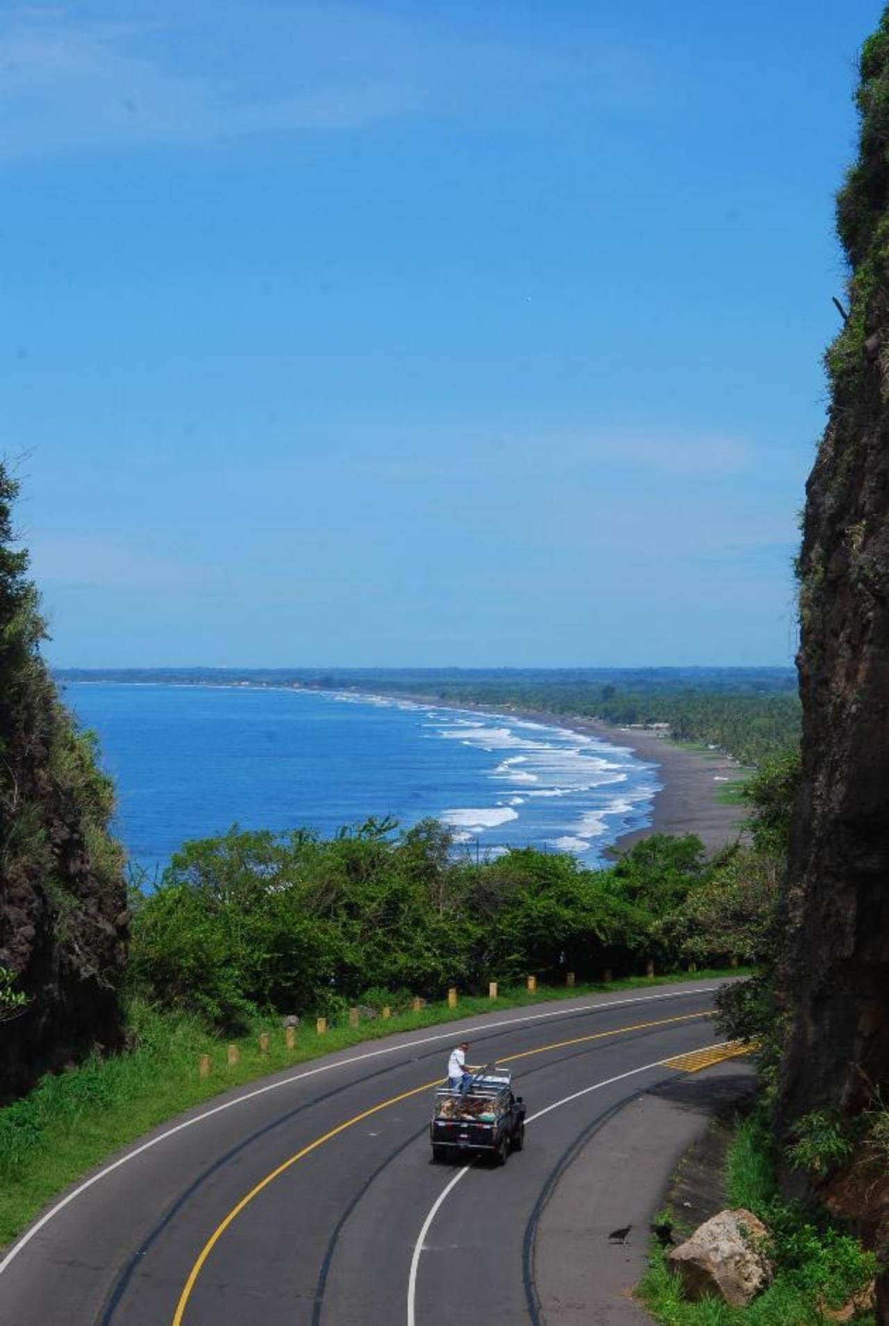 El FMI espera que los proyectos de Fomilenio II en la zona costera, educación y clima de inversión dinamicen la economía. Foto EDH